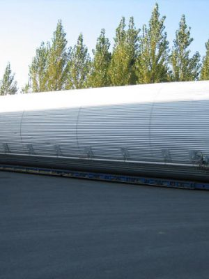 SS304 insulated Silo with conical bottom 60°, vessel on skirt and on load cells