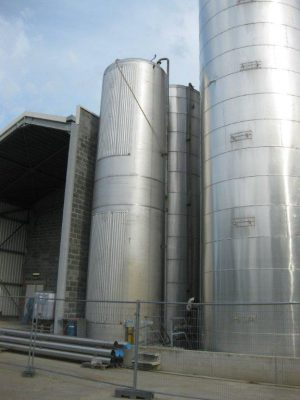 SS304 storage tank with dished bottoms