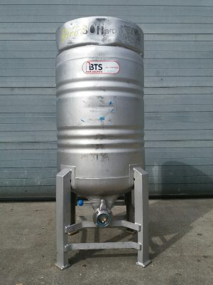 Used transport tank 200 liters Stainless steel 304 with 4 feet