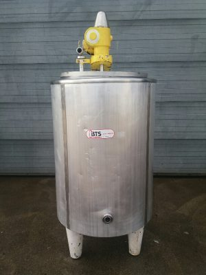 Used inulated tank stainless steel 304 with heating jacket  on 3 foot with agitator