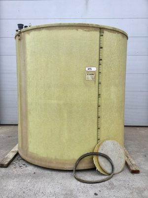 Used polyester tank with double wall