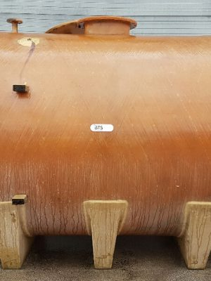 Horizontal fiberglass tank on 3 cradles